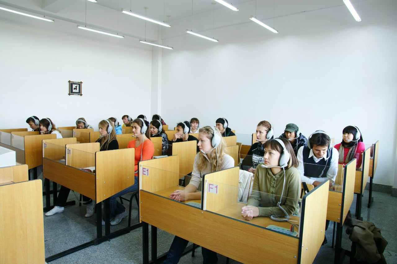Занятия по аудированию в Шеньянском политехническом университете.