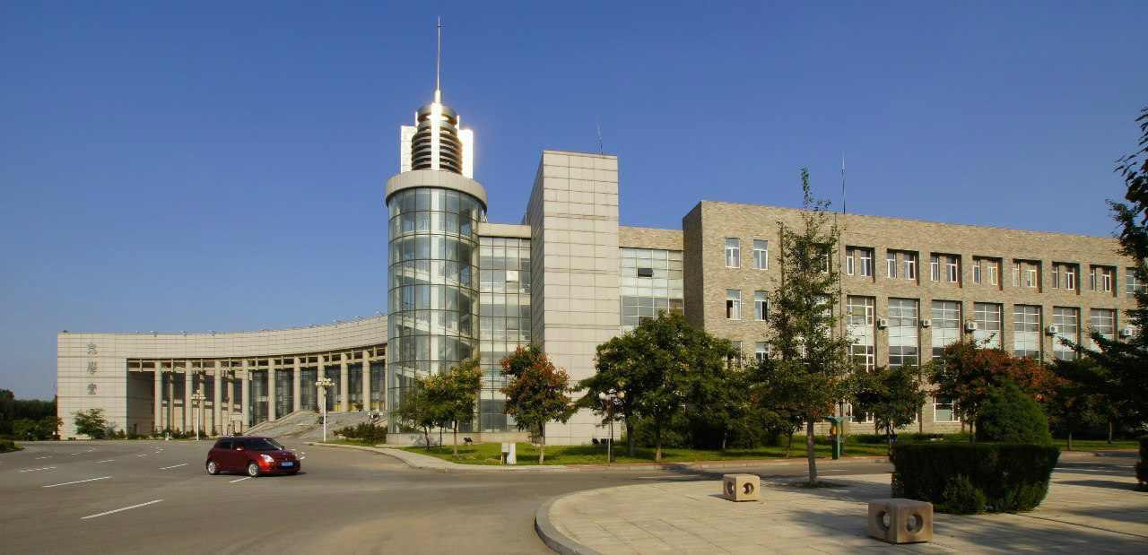 Территория Шеньянского политехнического университета.